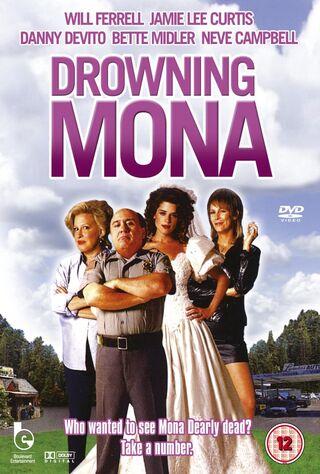 Drowning Mona (2000) Main Poster