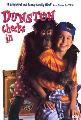 Dunston Checks In (1996) Main Poster