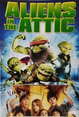 Aliens In The Attic (2009) Main Poster