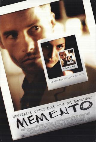 Memento (2001) Main Poster